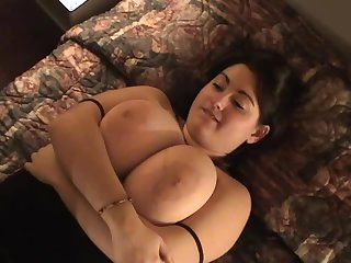 Chubby chick in hotel wants piss