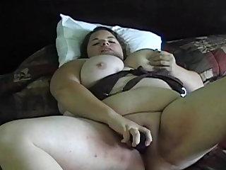 Giant fat babe Hunny Bunz fucking herself