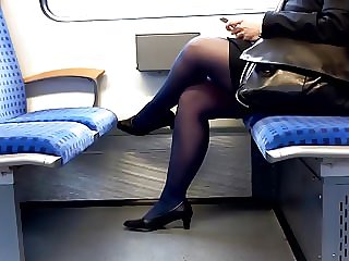 Mature BBW in black nylons and pumps