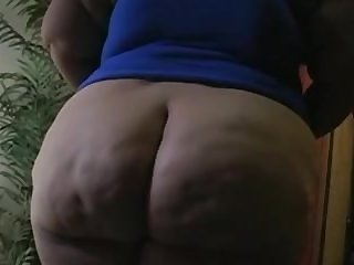 mexican bbw show her hairy pussy